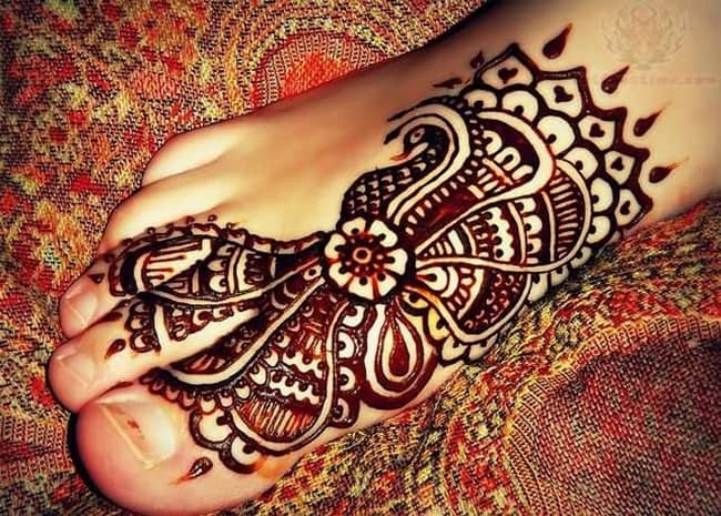 Creative Punjabi Foot Mehndi Designs Images