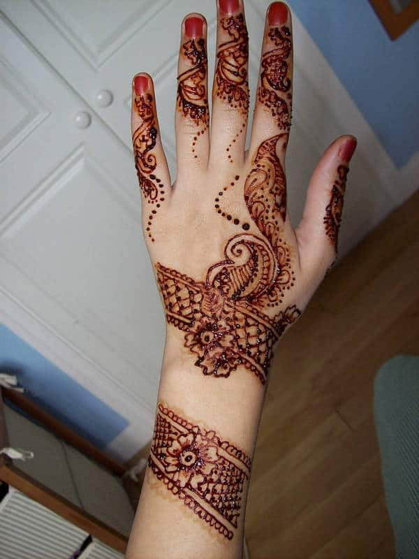 Great Back Hand Eid Henna Designs for Eid Ul Adha 2016