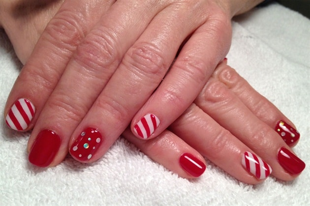Red and White Holiday Nail Polish Ideas