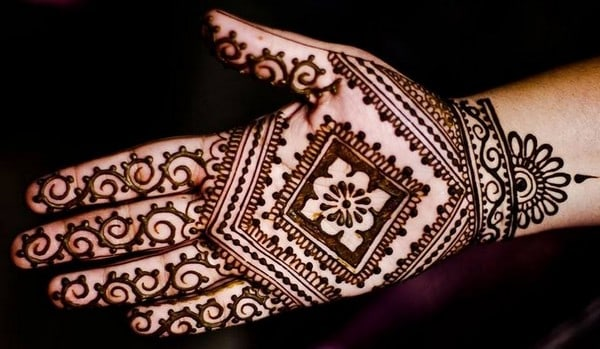 Mehndi For Front Hand Easy : Latest hd images of mehndi designs sheideas