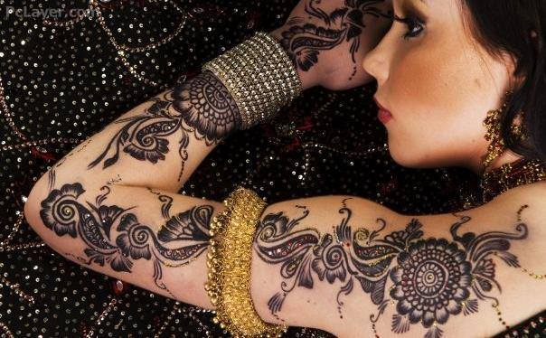 Trendy Bridal Mehndi Designs Pictures for Wedding