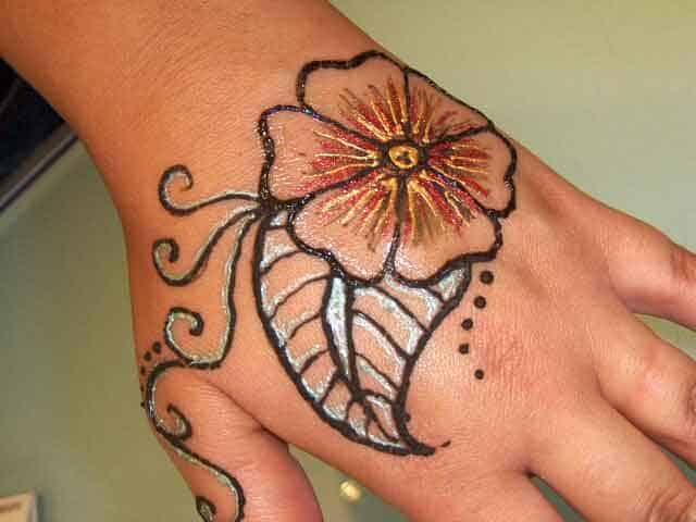 Trendy Henna Flower Art Design Images