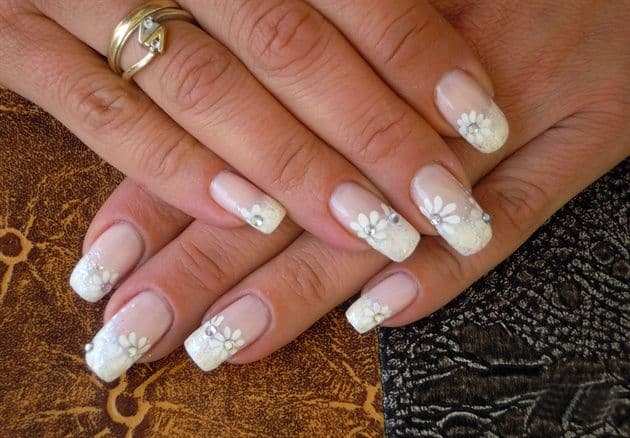 Wonderful Bridal Flower Nail Art Designs