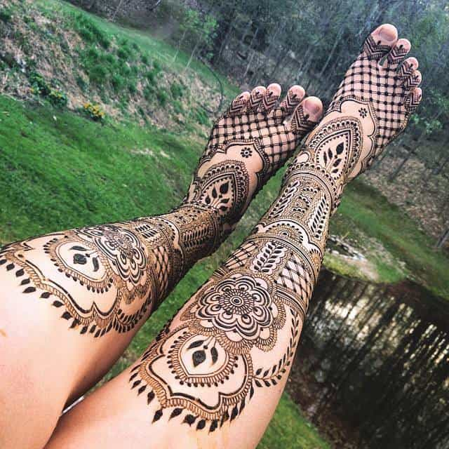 Wonderful Mehndi Designs for Legs and Feet