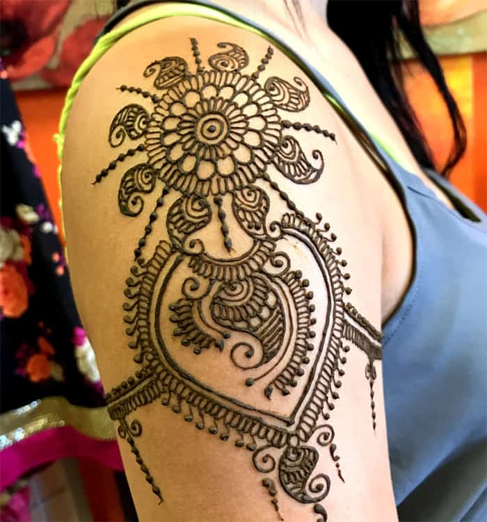 25 Cute Shoulder Mehndi Designs for Women