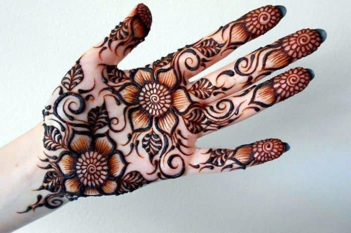 35 Latest HD Images of Mehndi Designs