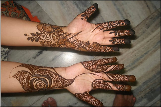 Amazing Hands Mehndi Designs for Traditional Events