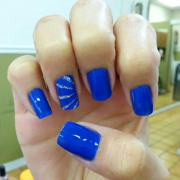 Attractive Blue Short Nails Designs for Girls