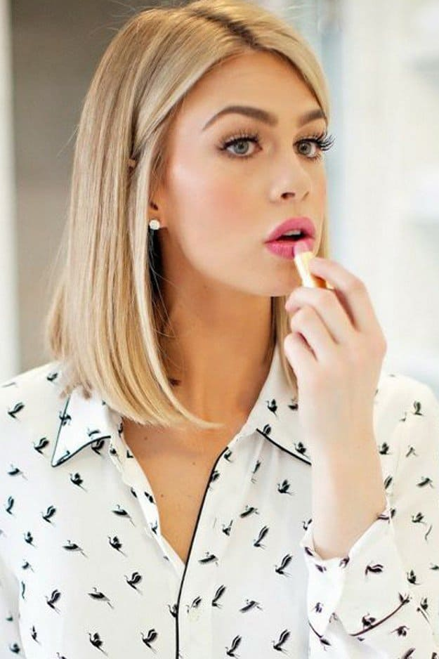 Awesome Blonde Medium Haircuts Pictures