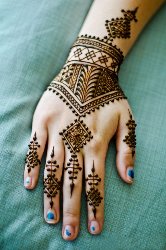 Awesome Maple Mehndi Design for Back Hand