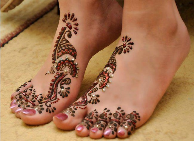 Awesome Traditional Feet Mehndi Design Images