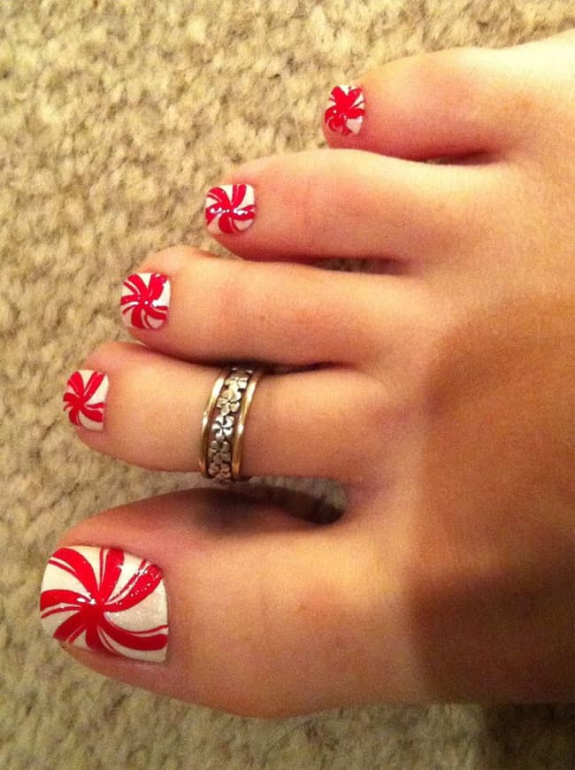 Awesomely Toe Christmas Nails Art Designs 2016