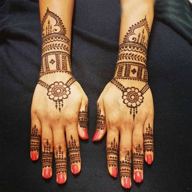 Back Hands and Cuff Henna Paste Trend 2016