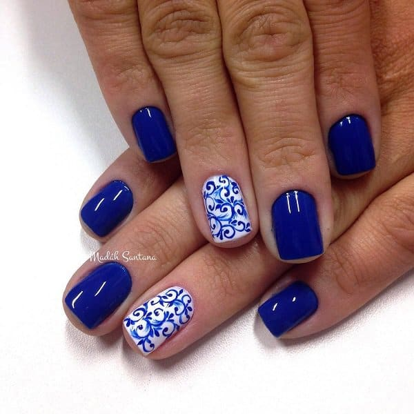 Beautiful Royal Blue Floral Nail Designs for Christmas