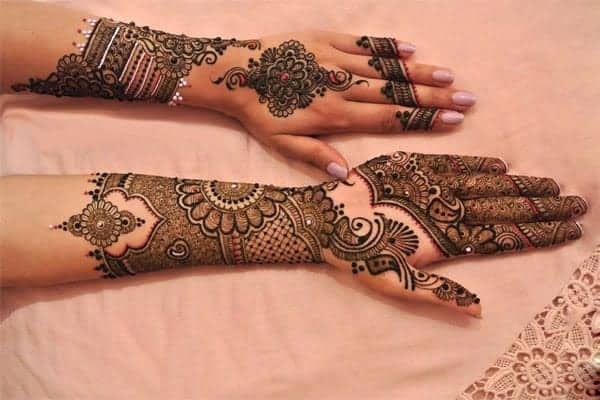 Bridal Colored Mehndi Design Ideas for Christmas