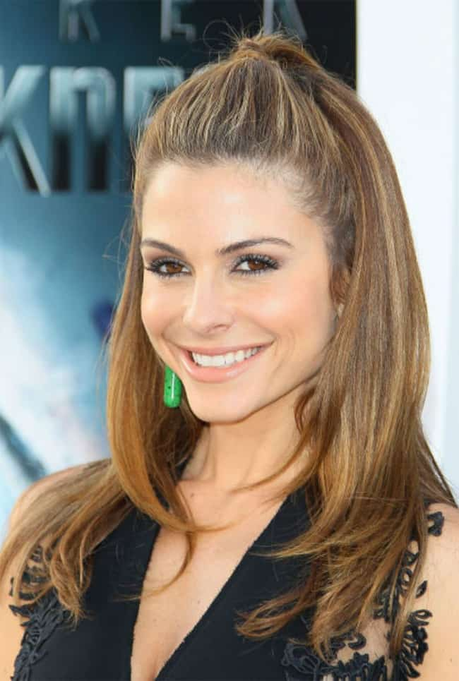 Celebrity Shoulder Length Hairstyle for Round Faces