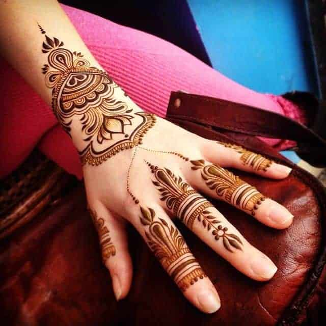 Cool Fingers and Hand Maple Mehndi Art Ideas
