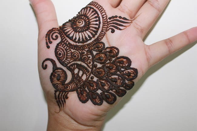 Cool Front Hand Peacock Mehndi Designs for Girls