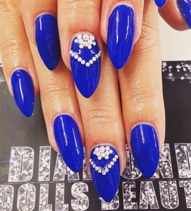 Creative Royal Blue Nail Art Ideas for Wedding