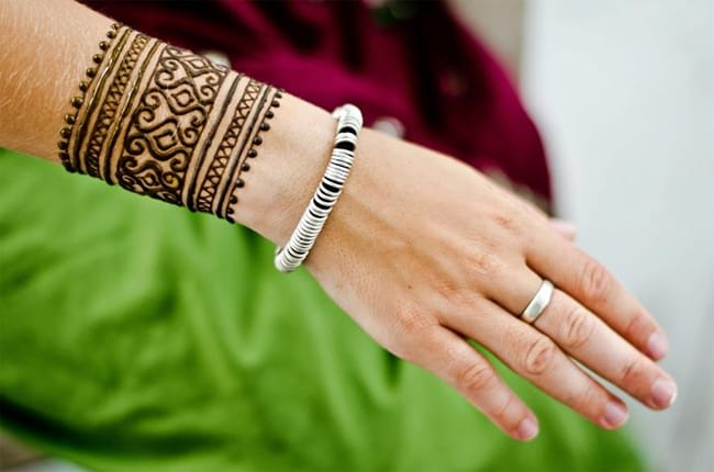 Mehndi Tattoo Cuff : Magnificent henna cuff designs for inspiration sheideas