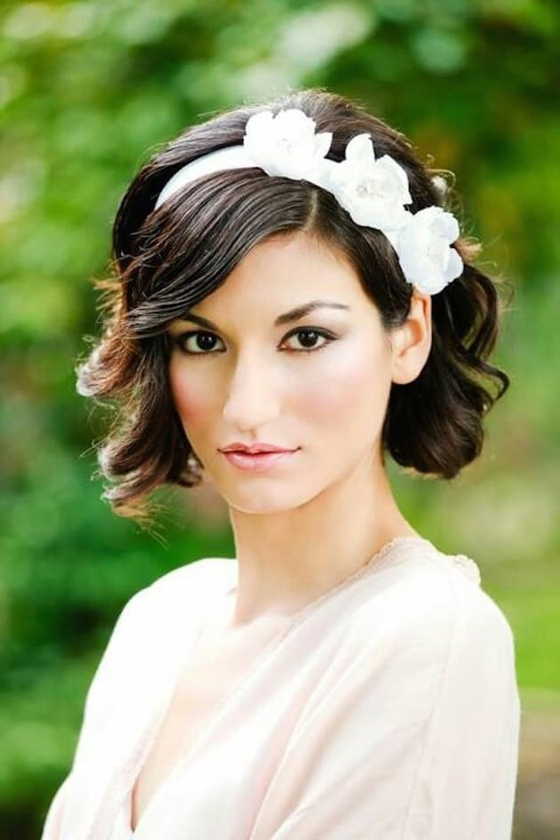 Fantastic Curly Bob Wedding Hairstyles for Brides