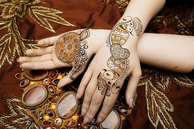 Fantastic Wedding Peacock Mehndi Design Photos