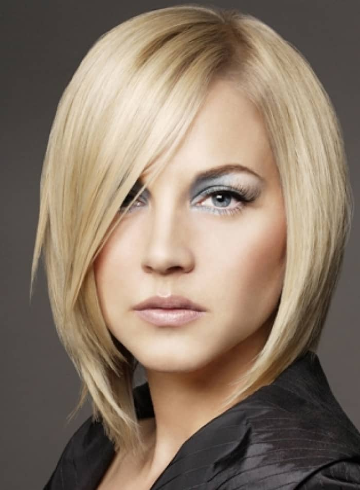 25 Latest Medium Hairstyles For Women Sheideas