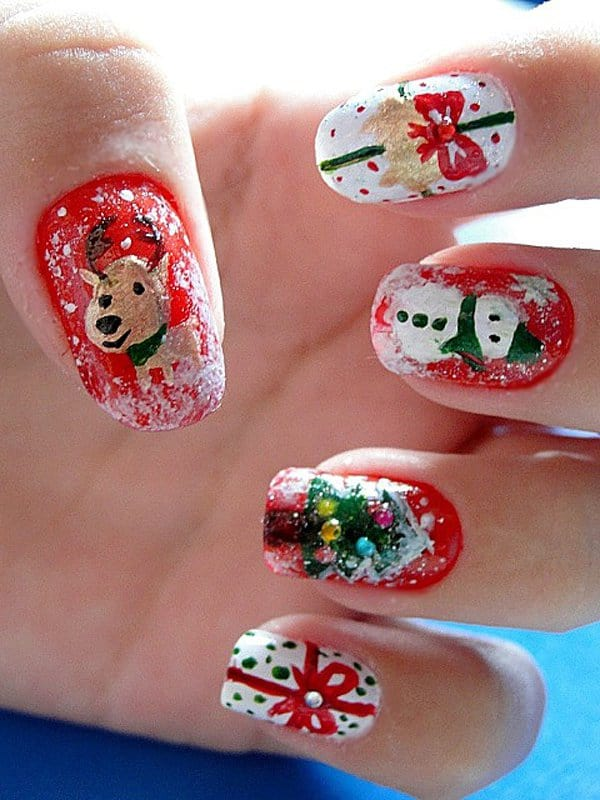 Latest Christmas Nail Art for College Girls