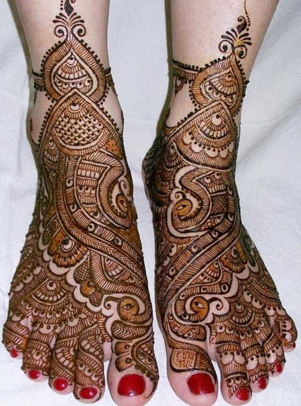 New Traditional Wedding Mehndi Designs for Full Feet