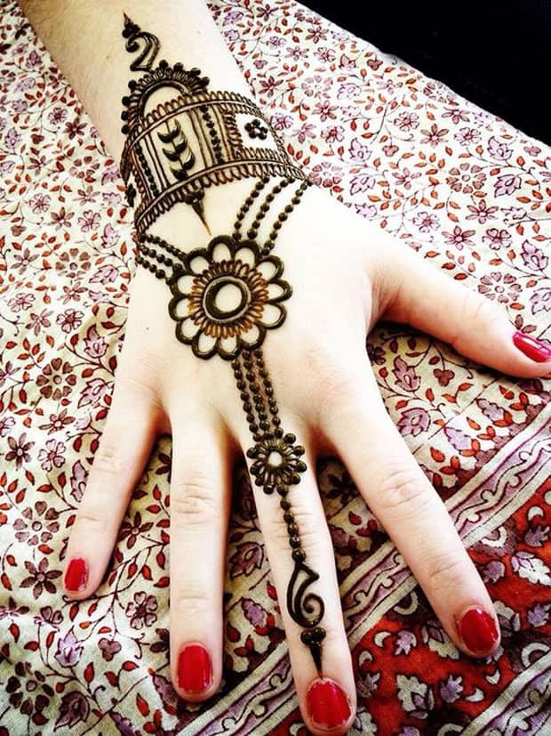 Red Nails and Maple Mehndi Designs for Women