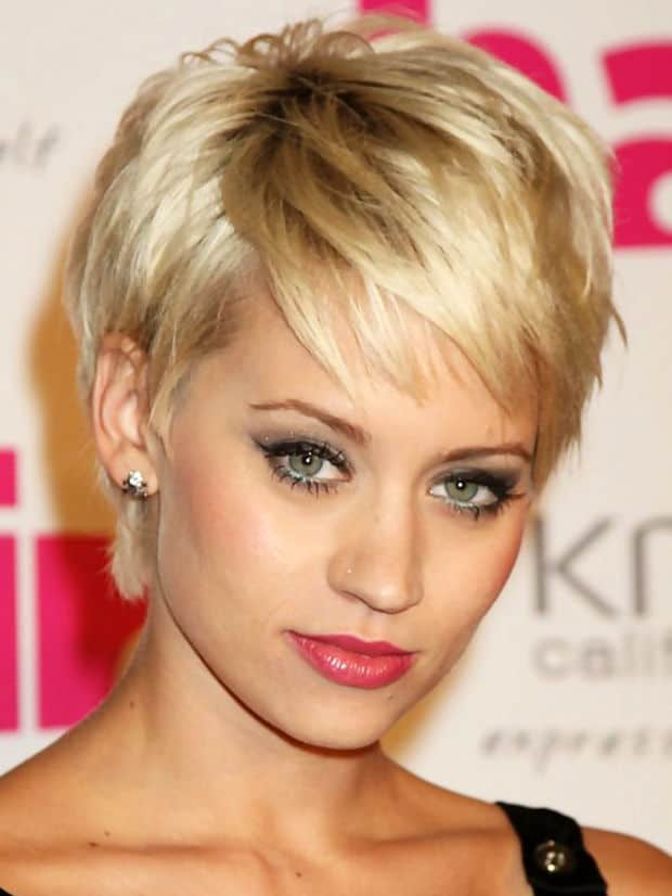 Short Hairstyles for Long Face Shape Women
