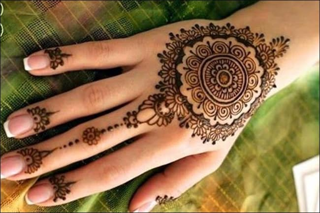 Simple Traditional Mehndi Designs for Ladies 2016-17