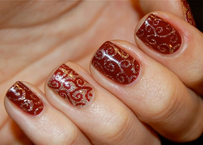 Stylish Christmas Nail Design Ideas for Brides