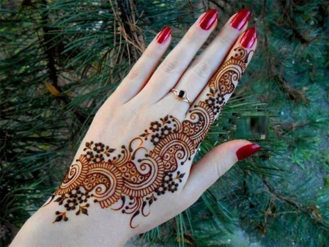 Super Peacock Mehndi Design With Red Nail Art
