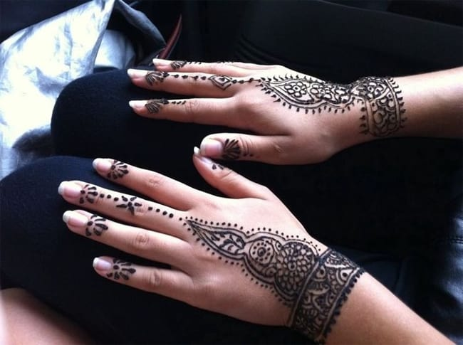 Henna Wrist Drawings: 25 Magnificent Henna Cuff Designs For Inspiration