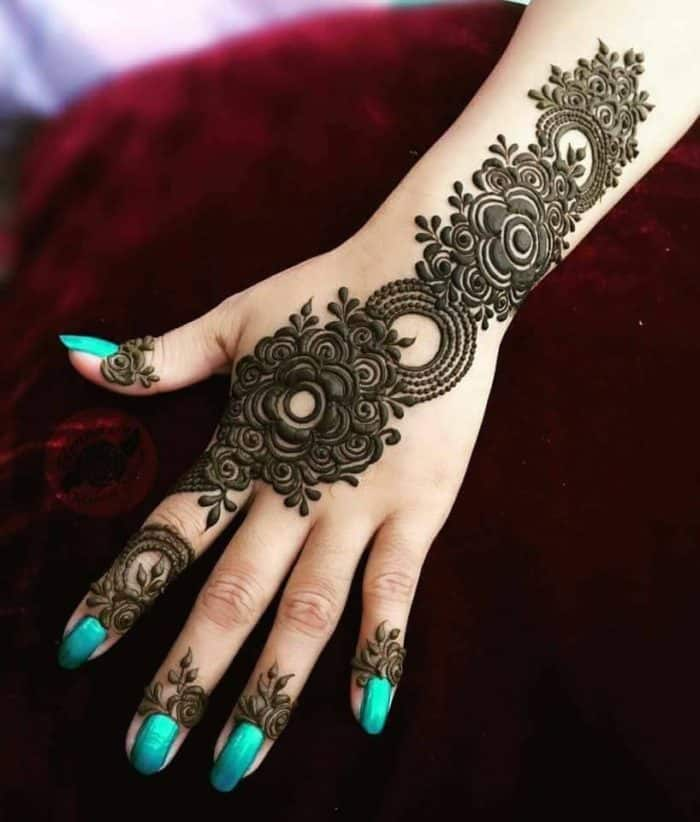 25 Magnificent Henna Cuff Designs For Inspiration Sheideas