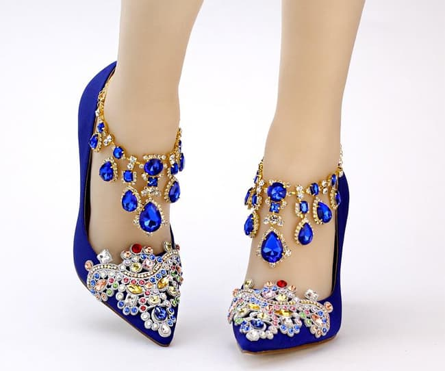 beautiful-royal-blue-wedding-party-shoes-for-brides