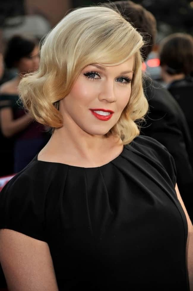 black-dress-and-vintage-style-updos-for-short-hair