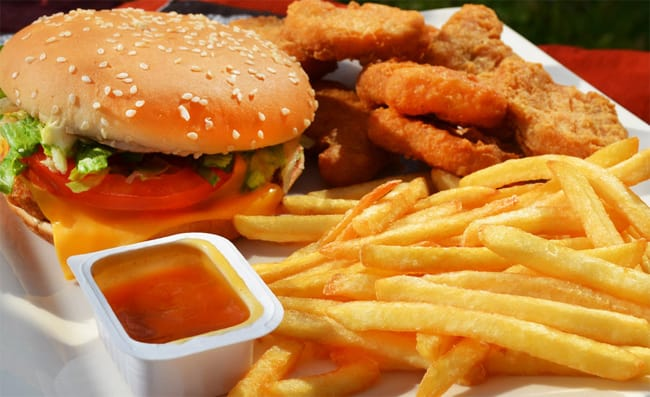 chicken-nuggets-burger-and-potatose-chips-photography