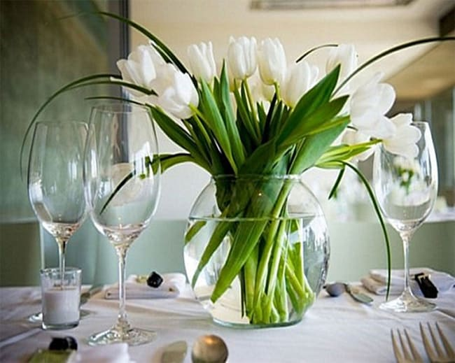 Dinner Table Centerpieces With White Flowers