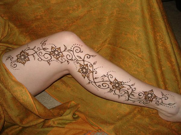 elegant-full-leg-henna-tattoo-designs-for-brides