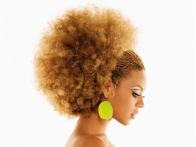 fantastic-afro-frizzy-hairstyle-for-christmas