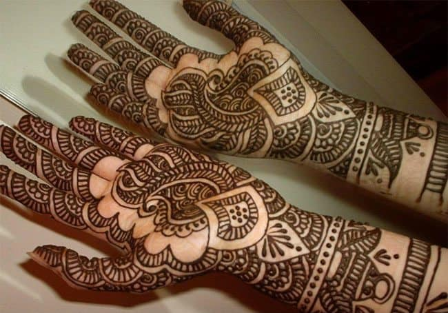 hands-mehndi-tattoo-design-meanings-for-new-year