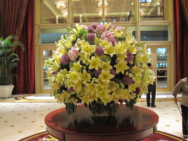 Outstanding Floral Arrangements for Hotel Lobby