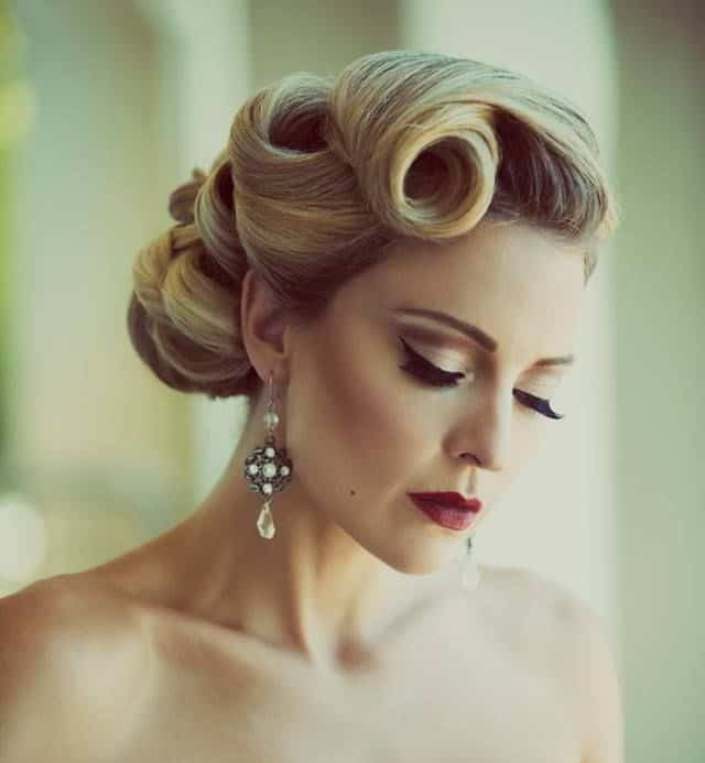 retro-and-vintage-curly-updo-hairstyles-for-brides