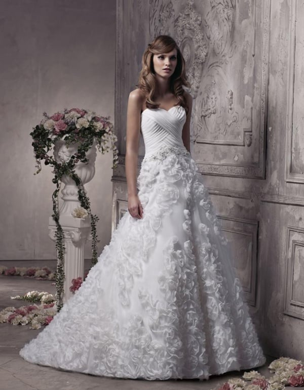 trendy-wedding-dresses-for-petite-women