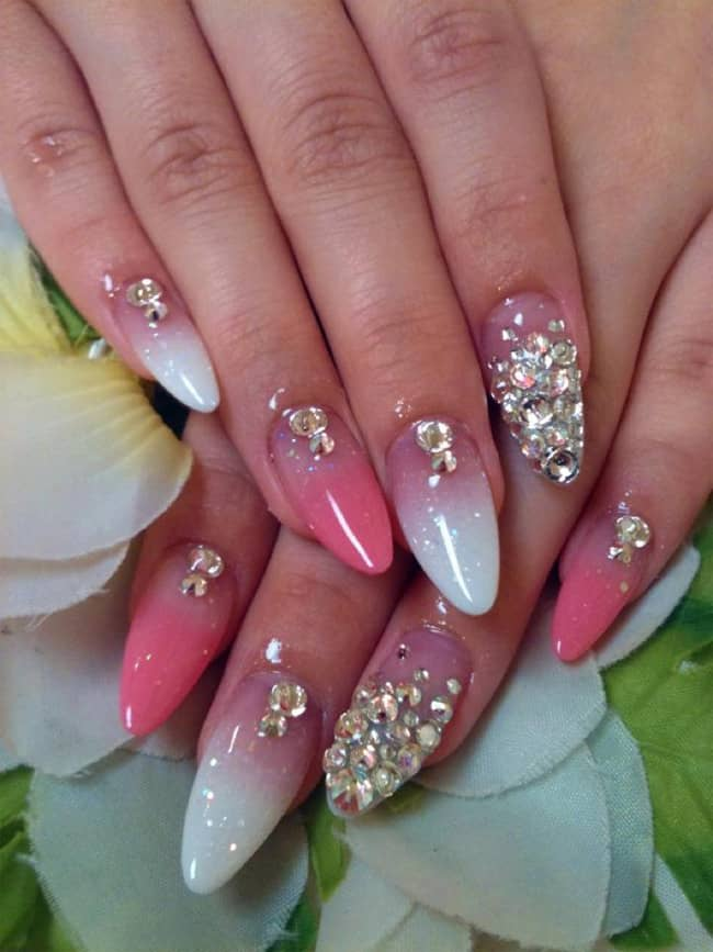 awesome-acrylic-nail-designs-with-rhinestone