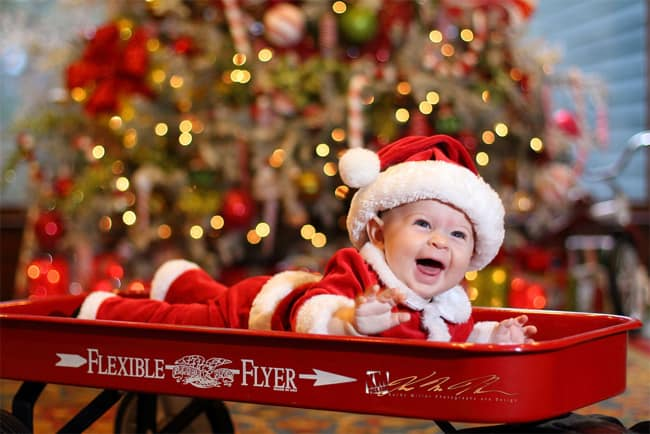 baby-celebrate-the-christmas