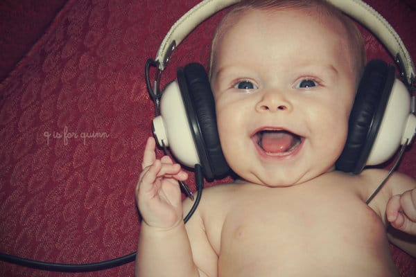 baby-and-his-headphones