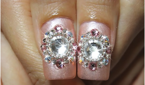 best-diamond-shaped-rhinestone-nail-design-ideas